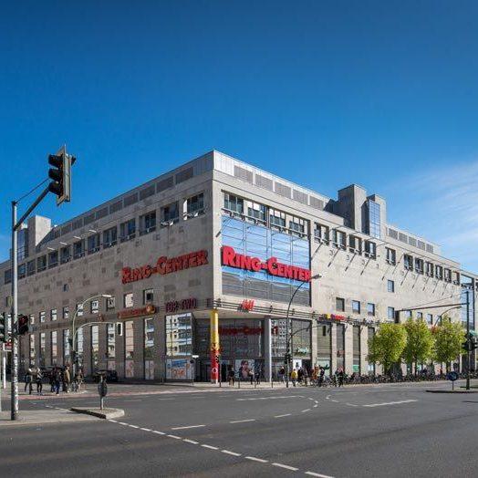 Einkaufszentrum Ring-Center Eingang Kieferorthopäde Dörfer
